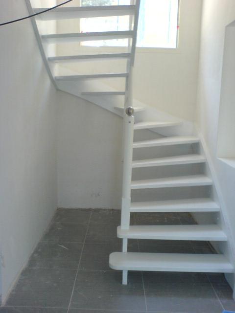 Escaliers deparis 77 escaliers en bois sur mesure ile de france fabrication - Escalier contemporain pas cher ...